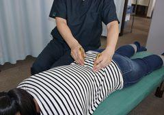 刺さない鍼による安全・安心な経絡の施術