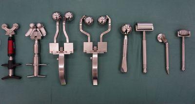 外科手術に匹敵する特殊器具による施術