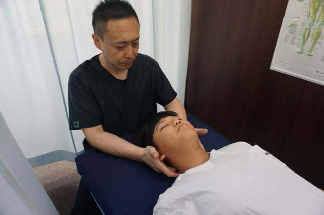 頭の骨の施術